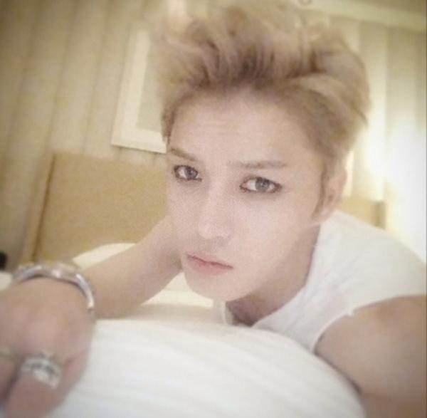 Jaejoong khoe hình tự sướng cực ngầu