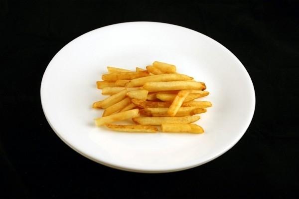 70g khoai tây chiên = 200 calo