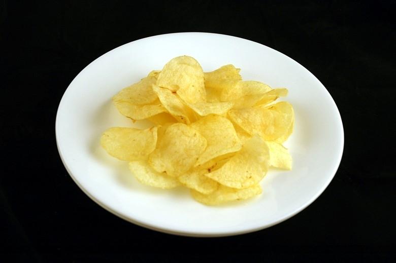 35g khoai tây chiên đóng hộp = 200 calo