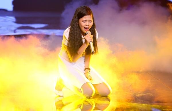 Tuy nhiên, ở đoạn cuối vì quá nhập tâm vào cảm xúc của bài hát mà Thanh Thảo đã không kìm nén được những giọt nước mắt.