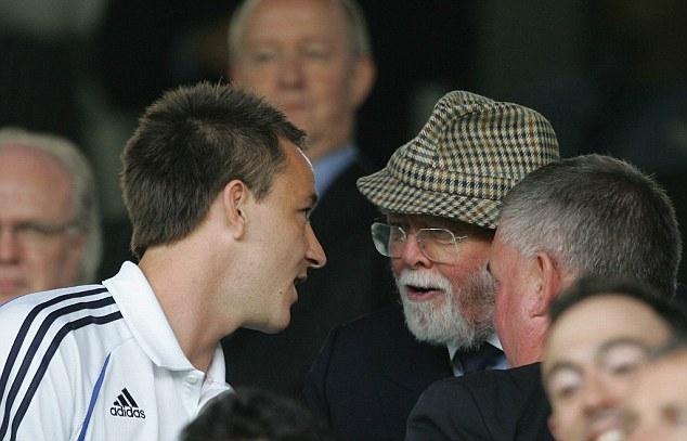 Terry và chủ tịch suốt đời của Chelsea