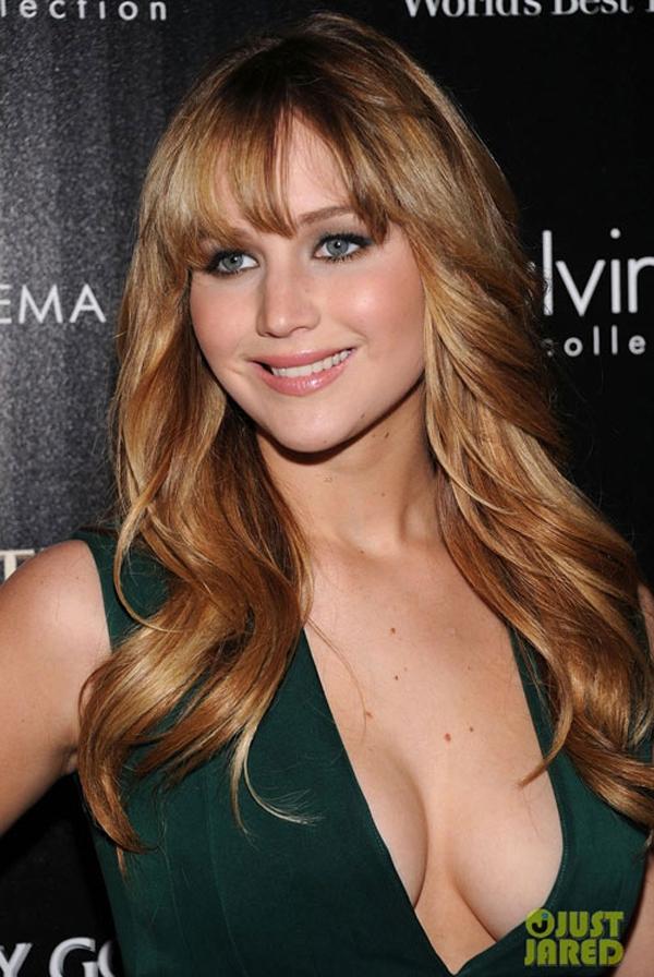 Jennifer Lawrence, minh tinh được bầu chọn gợi tình nhất nước Mỹ năm 2013, vừa bị phát tán 60 tấm ảnh nhạy cảm