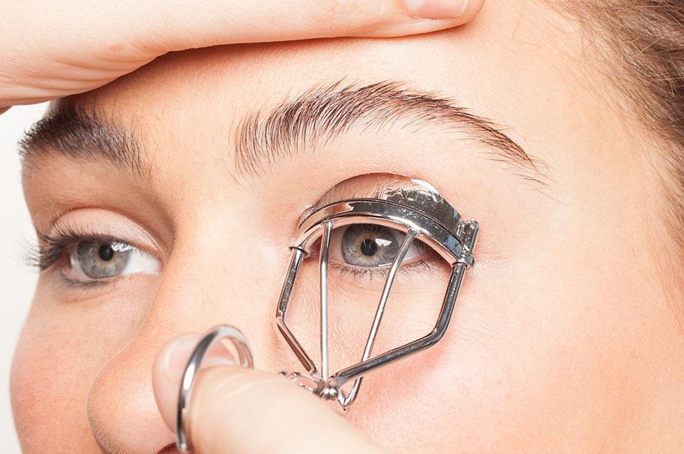 Bí kíp giúp tiết kiệm thời gian trang điểm bất ngờ