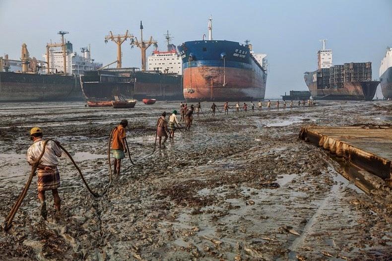 Chân dung người lao động tại nghĩa địa tàu biển Chittagong