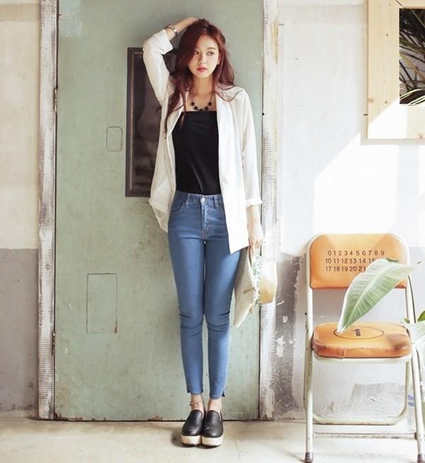 Image result for Áo thun , quần jeans , áo len mỏng