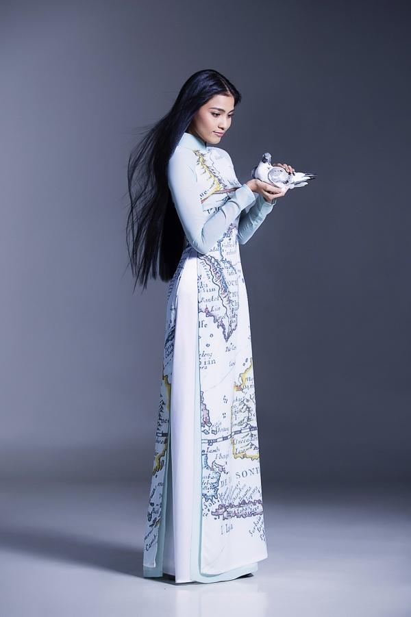 Trương Thị May là người mẫu, hoa hậu có thời gian hoạt động khá dầy dặn trong showbiz. Cô thường xuyên là vedette trong các chương trình thời trang đình đám.