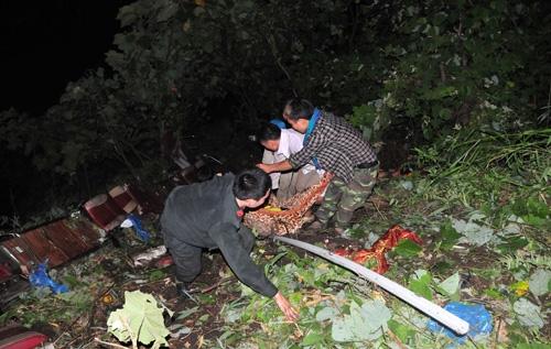Những người lao xuống vực cứu hàng chục nạn nhân xe khách