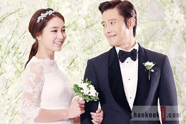 """Lee Min Jung kết hôn với """"tiền bối"""" Lee Byung Hun khi còn khá trẻ nhưng lại không đủ sức """"giữ chân"""" người đàn ông phong lưu bậc nhất làng giải trí Hàn Quốc."""