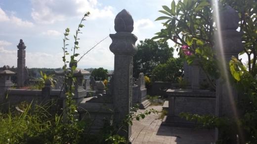 """Ngỡ ngàng những """"biệt thự"""" chục tỷ ở """"nghĩa trang đại gia"""""""