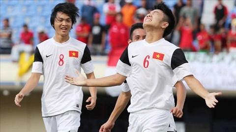 Tuấn Anh và Xuân Trường đóng vai trò cực kỳ quan trọng ở hàng tiền vệ