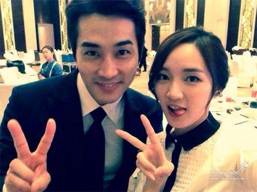 """Song Seung Hun bất ngờ khoe ảnh cùng thành viên Miss A với nội dung: """"Chụp hình cùng JiA"""""""