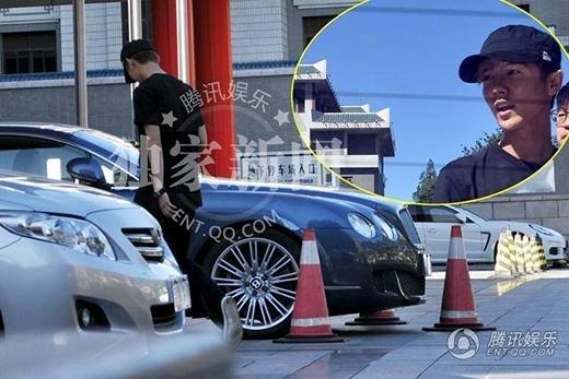 Hình ảnh Luhan đến bệnh viện tại Bắc Kinh vào dịp lễ trung thu vừa qua
