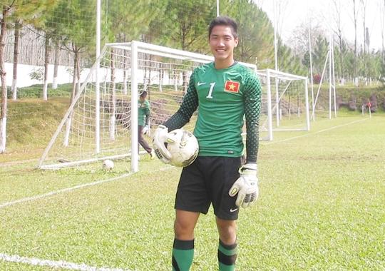Lê Văn Trường là lựa chọn tin tưởng nhất của HLV thủ môn Nguyễn Hồng Phẩm cho vị trí trước khung thành U19 Việt Nam.