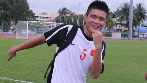 Trung vệ Lục Xuân Hưng.