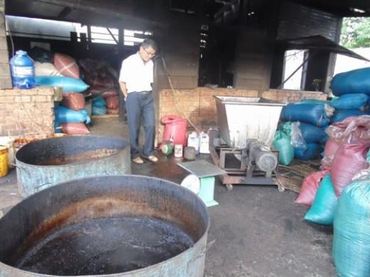 Sản xuất cà phê bằng hóa chất, bột bắp ở Đắk Lắk