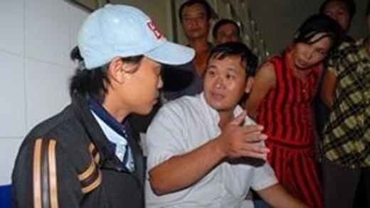 Cha ruột bé 4 tuổi bị hành hung bất ngờ xuất hiện tại bệnh viện