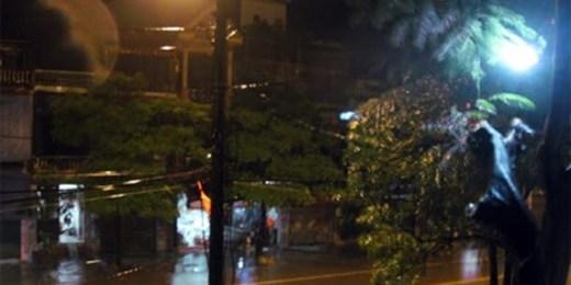 Bão tiến gần bờ, Quảng Ninh - Hải Phòng đã có mưa to