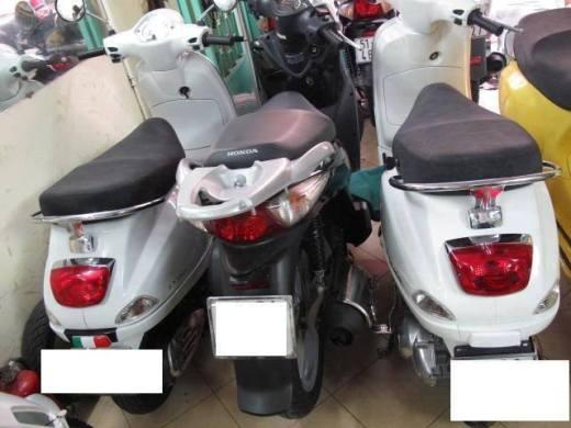 Những chiếc xe máy được cho là hàng ăn cắp được bán với giá rẻ