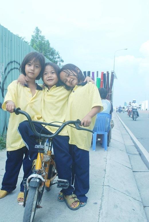 Cuộc sống nghèo khổ, cơ cực nhưng anh Tấn vẫn lấy 2 cô con gái để làm động lực cố gắng