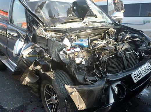 Trong đó ôtô 7 chỗ biển số Vĩnh Long hư hỏng nặng cả đuôi lẫn đầu vì bị xe tải cuối cùng đâm mạnh khiến xe lao tới đâm vào ôtô tải phía trước rồi mắc kẹt ở giữa. Tai nạn khiến quốc lộ 1A đoạn rẽ vào cao tốc Trung Lương - TP.HCM bị ùn ứ cục bộ. Rất may những người trên cả 7 ôtô không ai bị thương. Công an huyện Châu Thành thụ lý điều tra nguyên nhân.