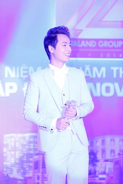 Đăng Khôi trình diễn góp vui cho sự kiện - Tin sao Viet - Tin tuc sao Viet - Scandal sao Viet - Tin tuc cua Sao - Tin cua Sao
