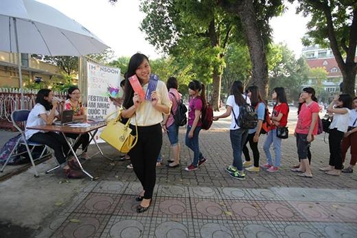 """Giới trẻ Hà thành đang ráo riết """"săn vé"""" tham dự lễ hội """"Gió mùa"""""""