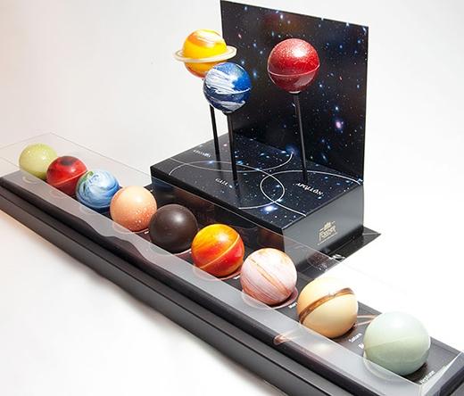 Cận cảnh 9 hành tinh 'kẹo que chocolate'