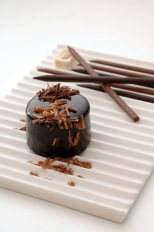 Bút chì chocolate - bạn thích ăn hay thích dùng để vẽ?
