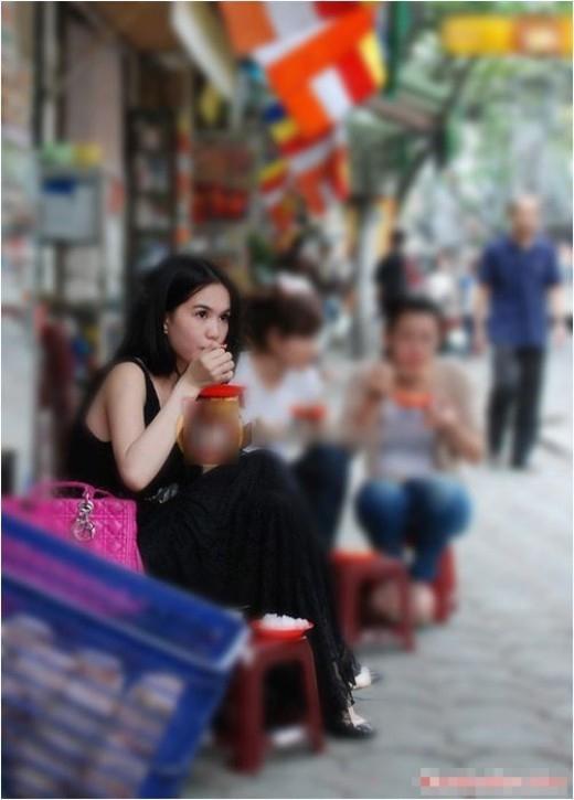 Ngọc Trinh quả không hổ danh cô bé ăn hàng - nick name dễ thương trên Facebook của cô. - Tin sao Viet - Tin tuc sao Viet - Scandal sao Viet - Tin tuc cua Sao - Tin cua Sao