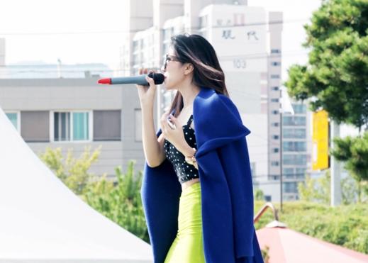 Trong chuyến đi lần này, ngoài việc hát trong chương trình ý nghĩa, Trang Pháp cũng sẽ vào phòng thu và thực hiện một sản phẩm tại Hàn Quốc, cũng như gặp nhà sản xuất nhạc Hàn Quốc để hợp tác cho sản phẩm mới của mình.