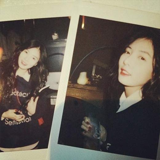 HyunA chia sẻ hình polaroid cực dễ thương