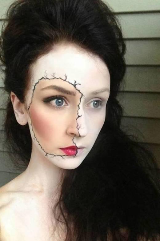 Hãy chắc là bạn cũng sẽ đủ can đảm để nhìn mình trong gương với hình ảnh hóa trang này...