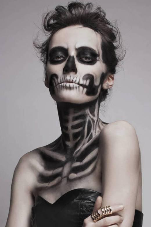 Phong cách 'xương di động' đang là mốt trong mùa Halloween năm nay