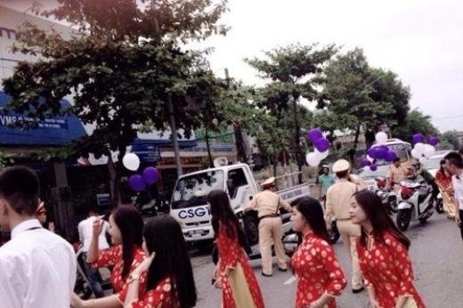 Đoàn xe SH bị cảnh sát giao thông tóm gọn