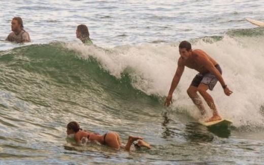 Vận động viên lướt sóng bị 'mất tập trung'