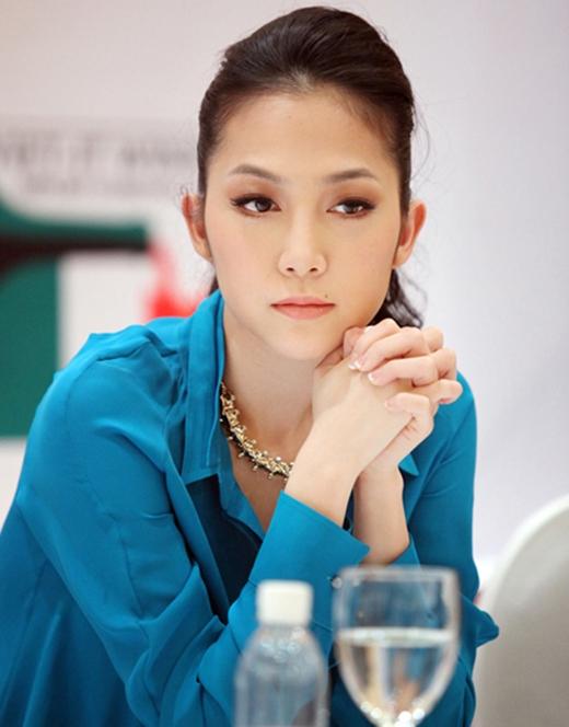 Linh Nga xinh đẹp dịu dàng và luôn kín tiếng về chuyện gia đình
