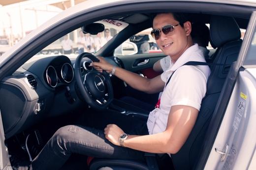 Bình Minh trải nghiệm cảm giác lái xế bạc tỷ mới nhất trên thế giới - Tin sao Viet - Tin tuc sao Viet - Scandal sao Viet - Tin tuc cua Sao - Tin cua Sao
