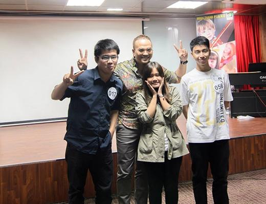 Vòng 3, các thí sinh của cuộc thi sẽ cùng nhau tranh tài với 2 bài hát, một tiếng Anh và một tiếng Việt.