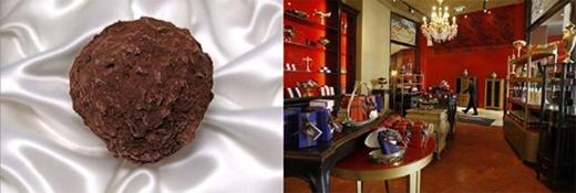 Kẹo Chocopologie của hãng Knipschildt được chế biến hoàn toàn thủ công và siêu tinh vi, sử dụng chocolate đen và nấm cục đen thuộc hàng hiếm nhất thế giới. 450g chocolate loại này được bán với giá 2.600 USD.