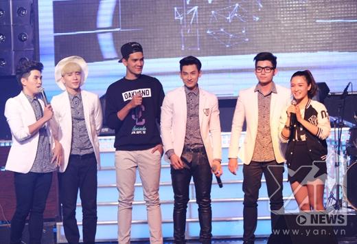 Khách mời nhóm 365, với hai thành viên Isaac và Will hiện đang rất được yêu thích trong vai trò dẫn chương trình trên YANTV