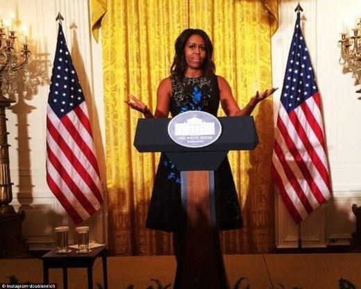 Phu nhân của tổng thống Obama cũng mặc trang phục của Oscar trong những sự kiện quan trọng