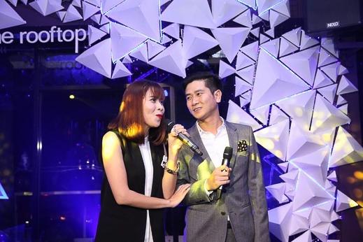 Điểm nhấn độc đáo của chương trình, vợ chồng Hồ Hoài Anh, Lưu Hương Giang đã có màn song ca đặc sắc gửi tặng quan khách - Tin sao Viet - Tin tuc sao Viet - Scandal sao Viet - Tin tuc cua Sao - Tin cua Sao