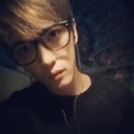 Jaejoong chỉ khoe bức ảnh cực ngầu nhưng không ghi lời nhắn nào