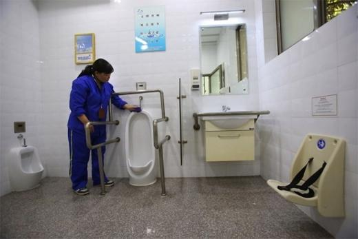 """""""Nhà vệ sinh unisex"""" thuận tiện cho người có hoàn cảnh đặc biệt"""