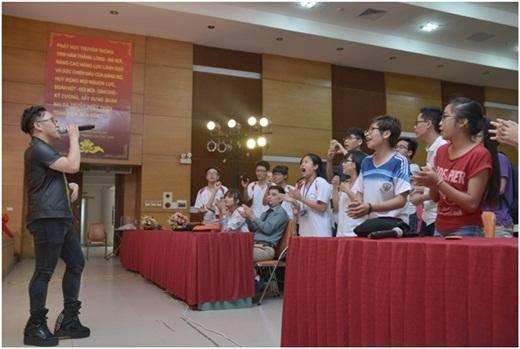 Các bạn sinh viên cháy hết mình cùng chương trình - Tin sao Viet - Tin tuc sao Viet - Scandal sao Viet - Tin tuc cua Sao - Tin cua Sao