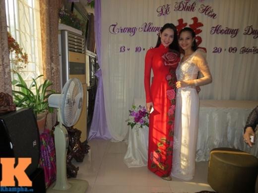 Trang Nhung bên chị gái ruột. Nữ diễn viên là con út trong gia đình có 4 chị em gái.