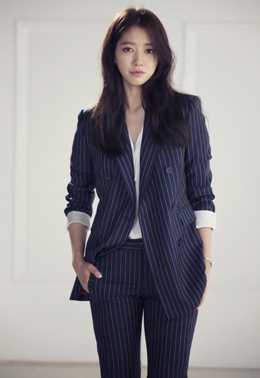 Park Shin Hye vào vai cô nàng tên Choi In Ha, một người bị mắc phải 'hội chứng Pinocchio', tức là mỗi lần nói dối cô lại bị nấc cụt. Chính vì điều này mà Choi In Ha không bao giờ che giấu được cảm xúc của mình. Cô cũng là một trong những phóng viên luôn theo đuổi sự thật.