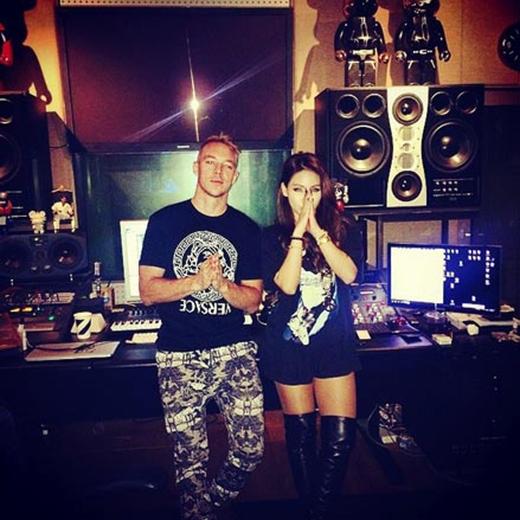 CL hào hứng khi chụp hình chung cùng DJ Diplo