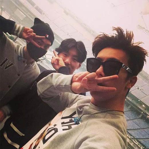 Donghae hào hứng khoe hình khi chuẩn bị concert tại Nhật