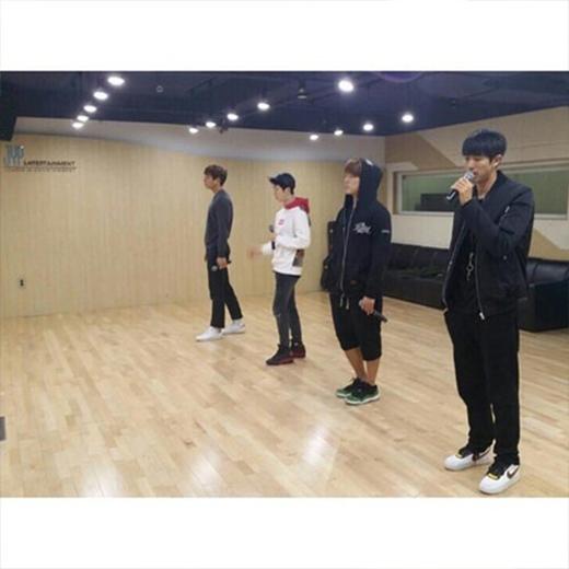 Seulong khoe hình 2AM đang chăm chỉ tập luyện cho ca khúc mới